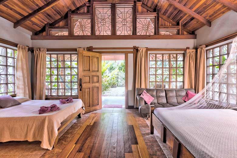 Hoteles en Puerto Viejo con Piscina - Cabinas El Nido